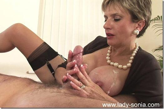 lady-sonia-cumshot-05